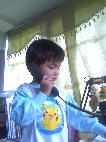 2009-10-21 dd接電話.jpg