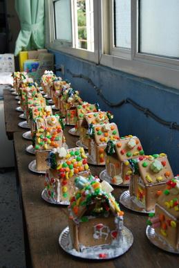 2011-12-19 小學生創意薑餅屋