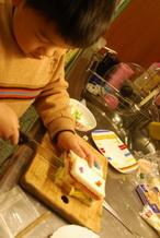 11-02-01 睿睿第一次做三明治