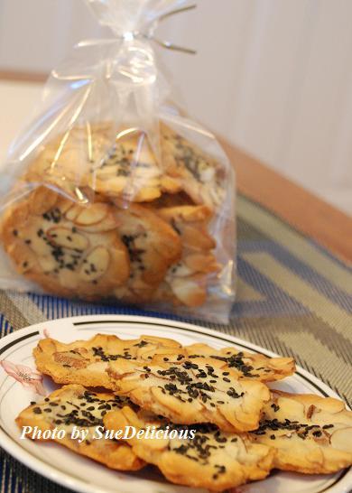 芝麻杏仁脆片 (Almond Crisps with Sesame)