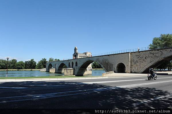 聖貝內澤斷橋