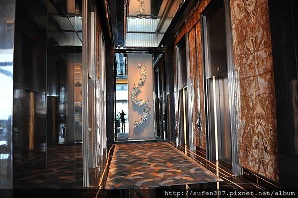 the Ritz-Cartlon 9F電梯搭乘處