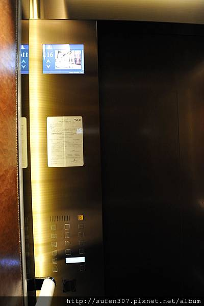 麗思卡爾頓酒店 (The Ritz-Carlton) 豪華海景房 (Harbour Island) 110F電梯