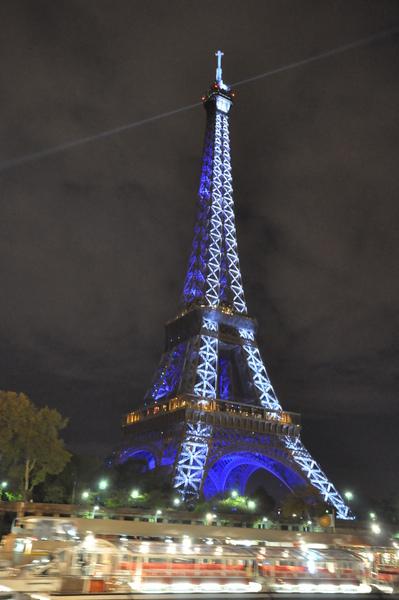 夜遊塞納河~巴黎鐵塔