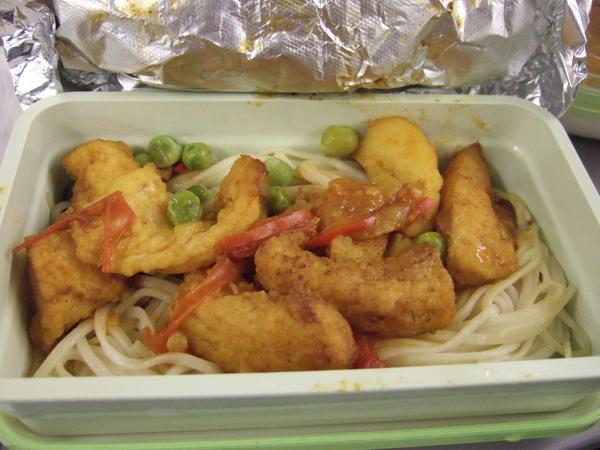 2009/10/28 機上魚麵餐