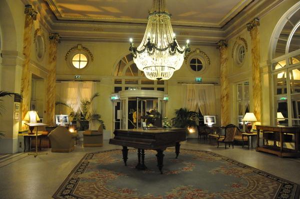 諾曼地卡埠Grand Hotel