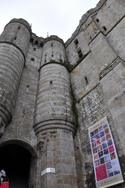 Mont St. Michel 前往修道院