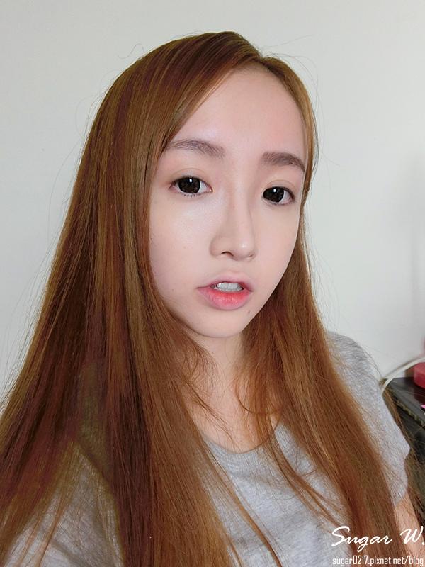 花娜三格格~也能畫咬唇妝