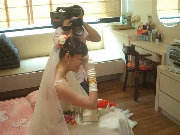 新娘子哭了...