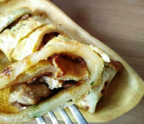 日十。早午餐|嫩煎雞腿蛋餅