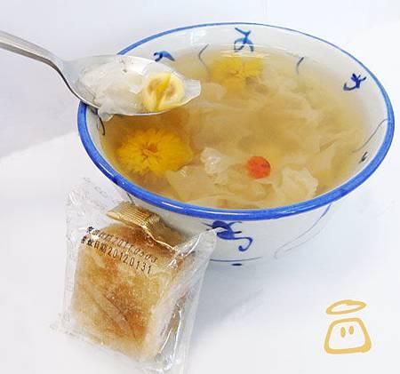 冰糖菊花枸杞蓮子湯
