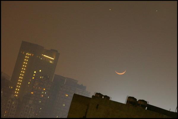 微笑的月亮.jpg