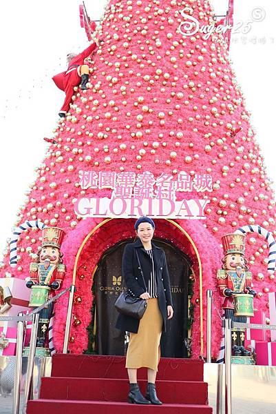 華泰名品城粉紅聖誕樹14.jpg
