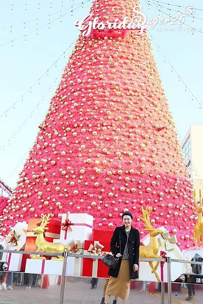 華泰名品城粉紅聖誕樹31.jpg