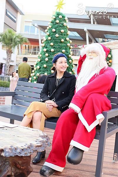 華泰名品城粉紅聖誕樹32.jpg