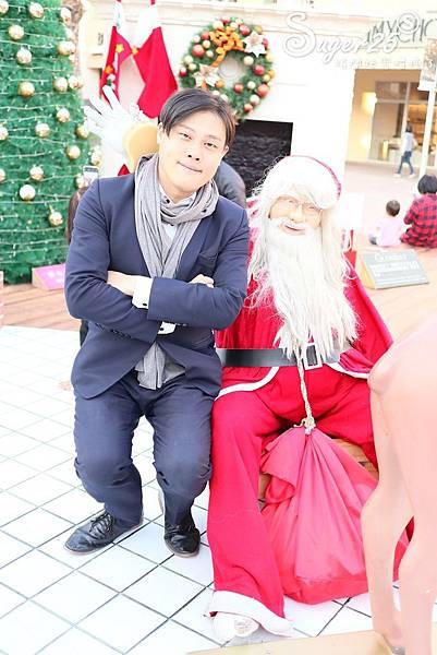 華泰名品城粉紅聖誕樹33.jpg