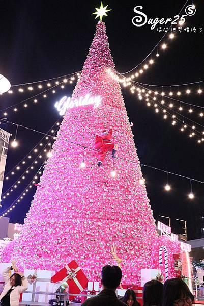 華泰名品城粉紅聖誕樹43.jpg