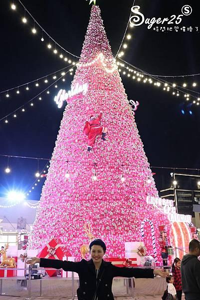 華泰名品城粉紅聖誕樹45.jpg