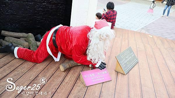 華泰名品城粉紅聖誕樹49.jpg