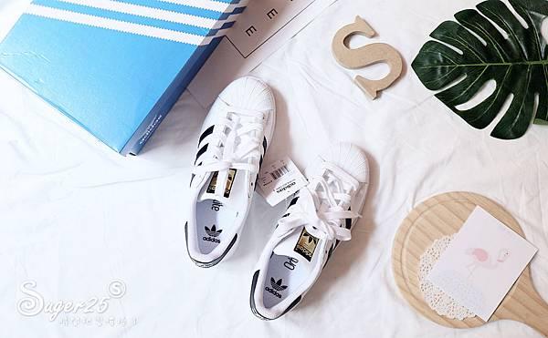 adidas經典貝殼鞋1.jpg