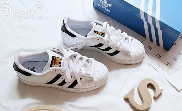 adidas經典貝殼鞋2.jpg