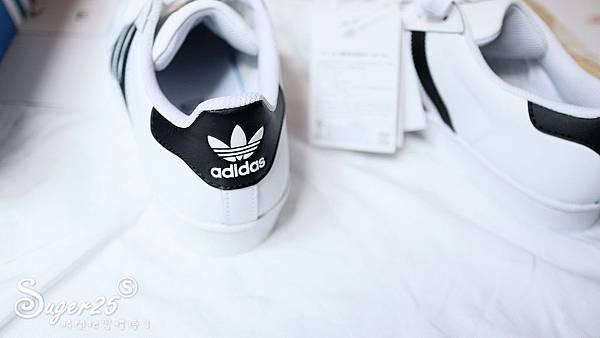 adidas經典貝殼鞋3.jpg