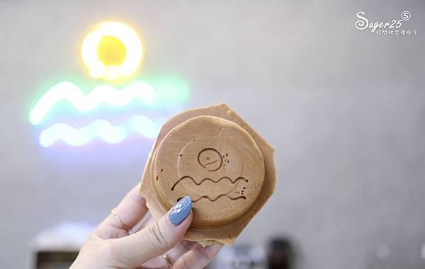 宜蘭羅東野小孩吃車輪餅配咖啡28.jpg