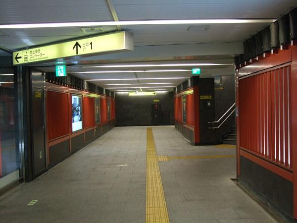 很有風格的淺草地鐵站