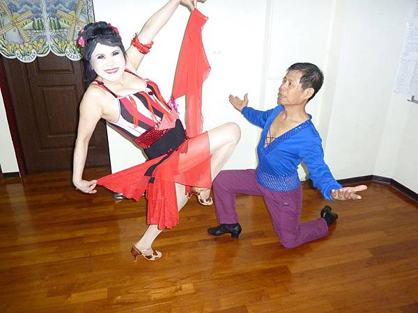 D24-趣味舞姿