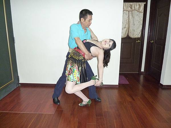 D76-趣味舞姿