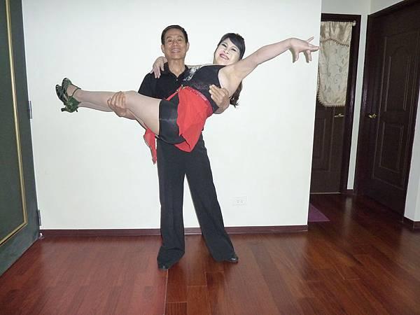 D77-趣味舞姿
