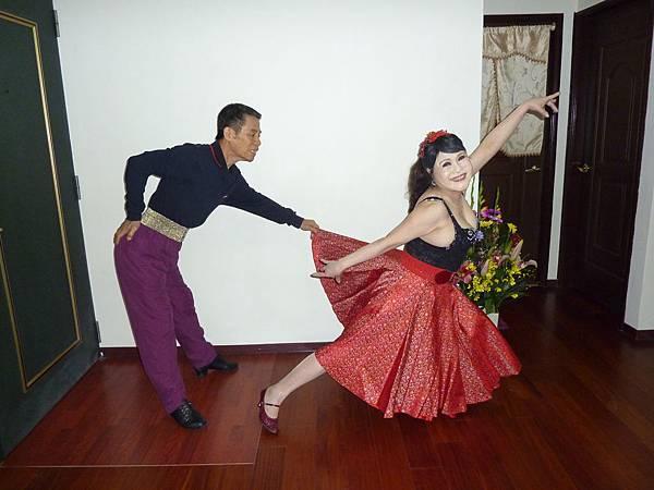 D83-趣味舞姿