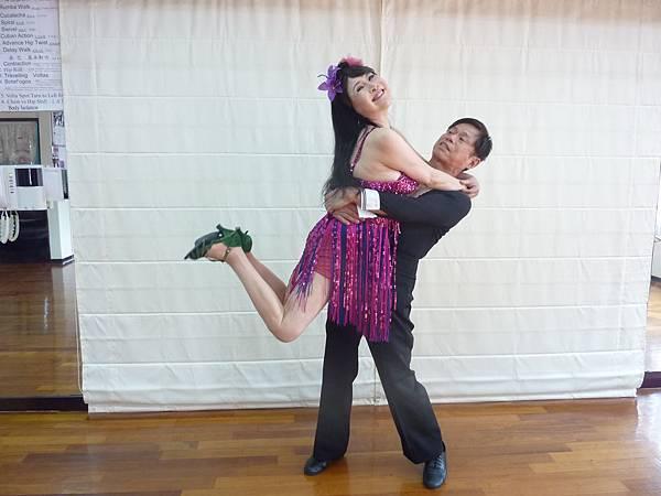 D111-趣味舞姿