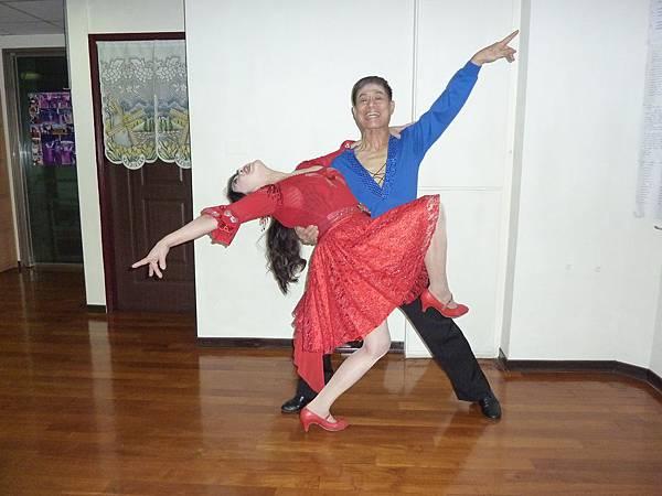 D126-趣味舞姿