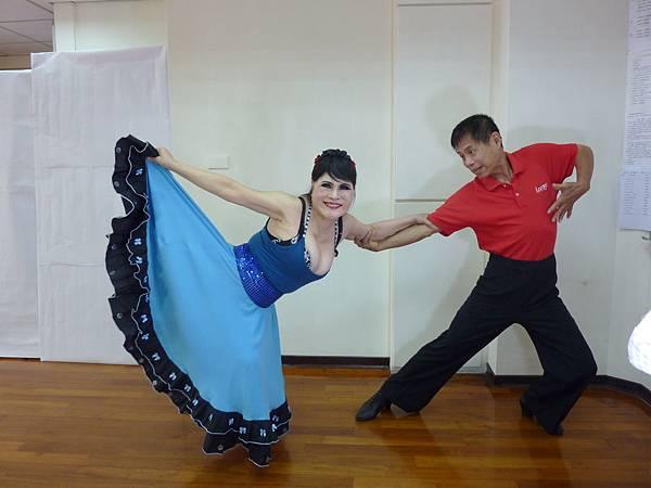 D127-趣味舞姿