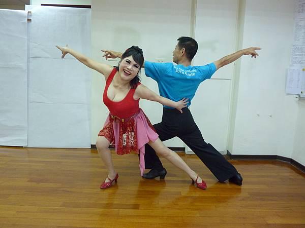 D128-趣味舞姿