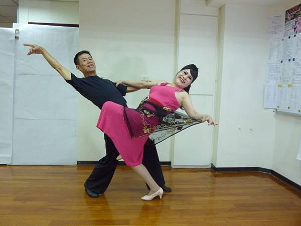 D132-趣味舞姿