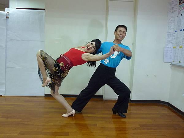 D133-趣味舞姿