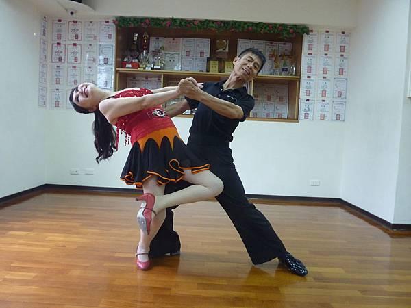 D135-趣味舞姿