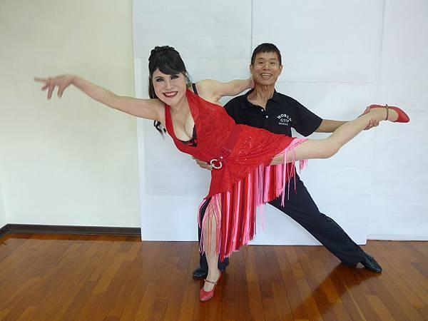 D137-趣味舞姿