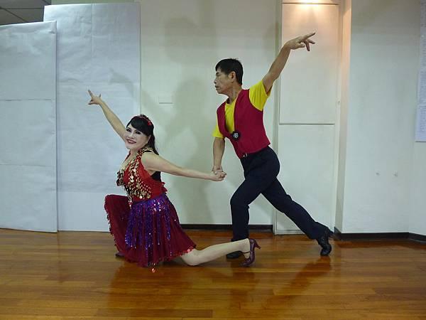 D138-趣味舞姿