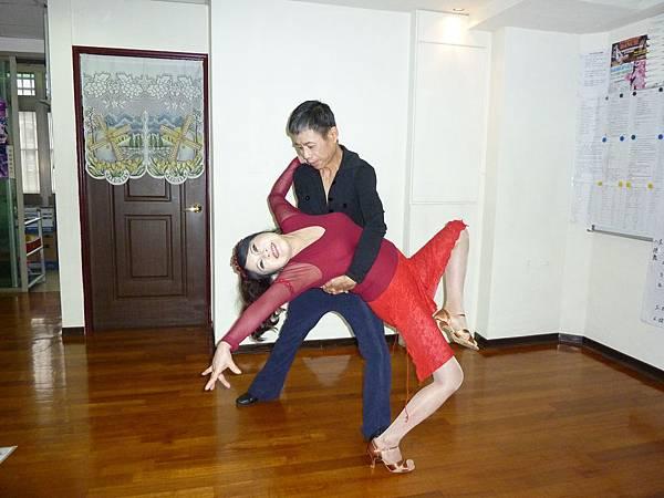 D144-趣味舞姿
