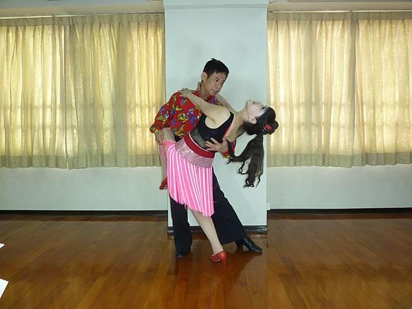 D161-趣味舞姿