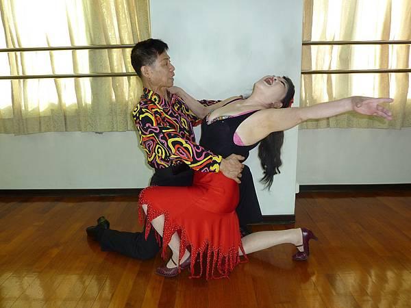 D162-趣味舞姿