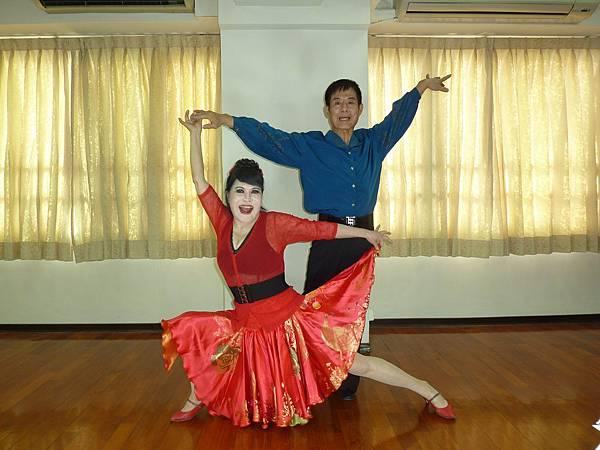 D163-趣味舞姿