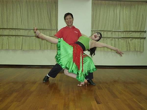 D173-趣味舞姿