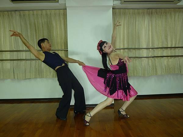 D183-趣味舞姿