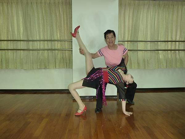 D185-趣味舞姿