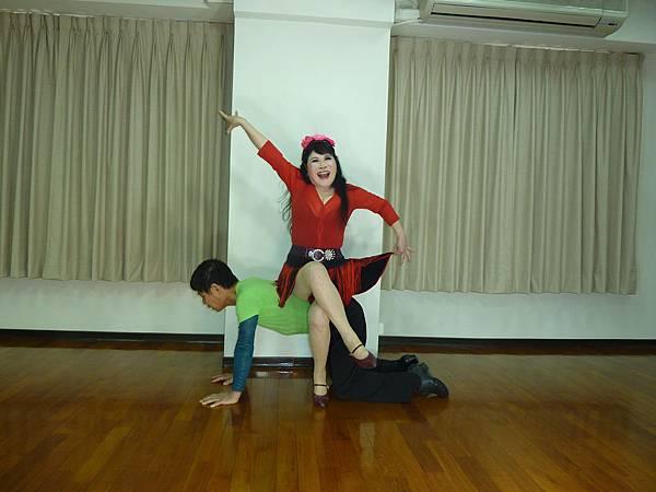 D195-趣味舞姿
