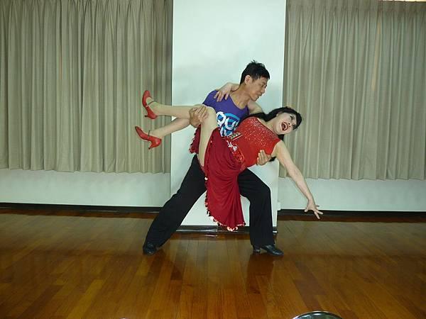 D196-趣味舞姿
